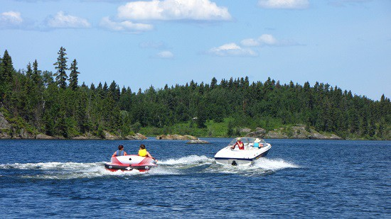 Boating fun on Amisk Lake