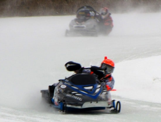 Oval snowmobile racing