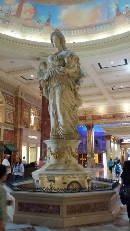 Statue in Caesar's Palace