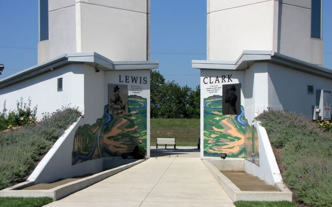 What Two U.S. Rivers Meet at the Lewis & Clark Confluence Tower in Illinois?