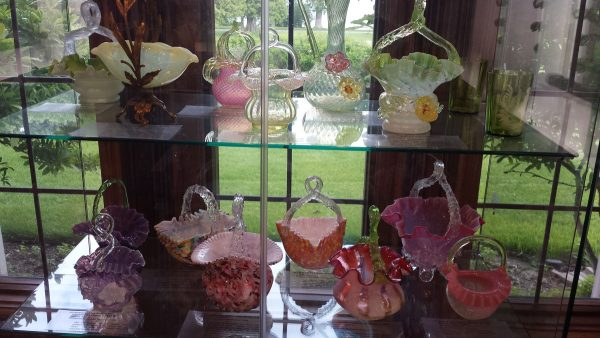 Gift shop at Bergstrom-Mahler Museum of Glass