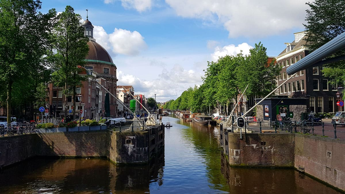 How Many Canals are there in Amsterdam?