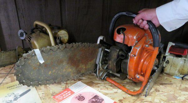 Giant chain saw