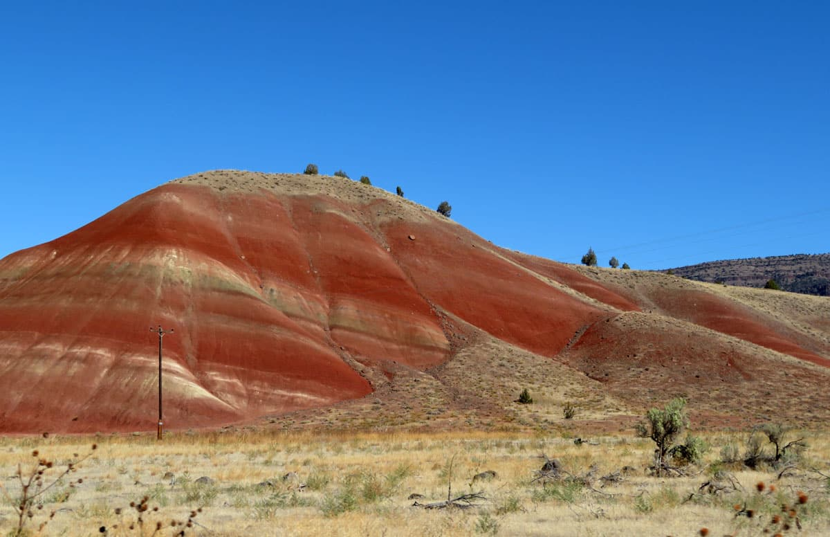 Places You Must See & Hike in Oregon: Painted Hills