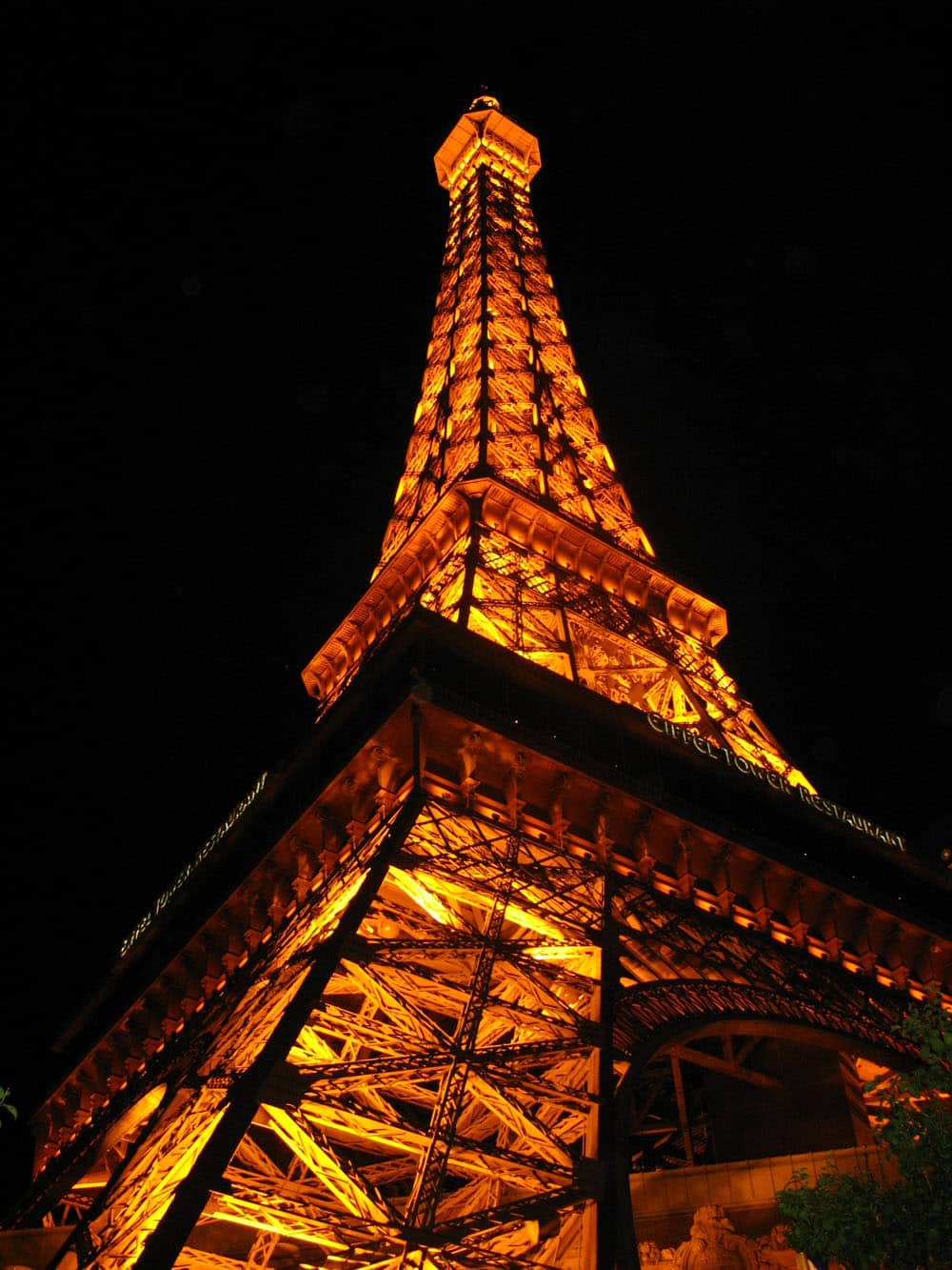 20 interesting facts about las vegas winter getaway if for Hotel close to eiffel tower paris