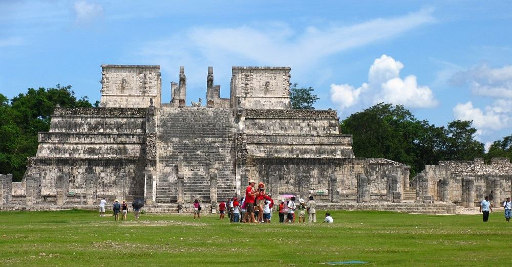 how to get to chichen itza from mexico city