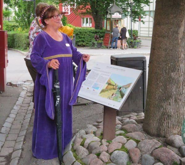Guide in Sigtuna in Viking costume.