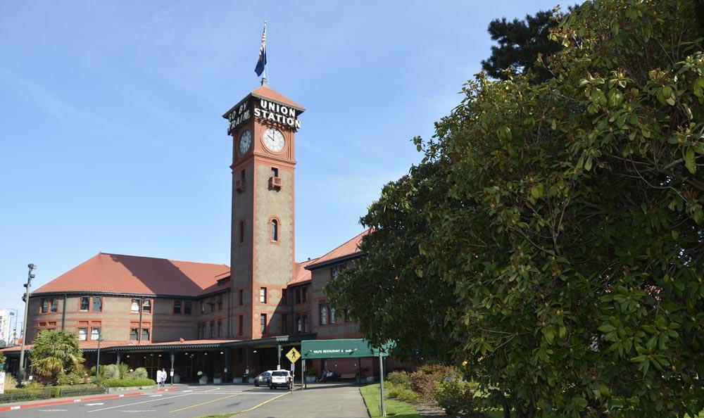 Portland Union Station in Portland, Oregon, opened in 1806.