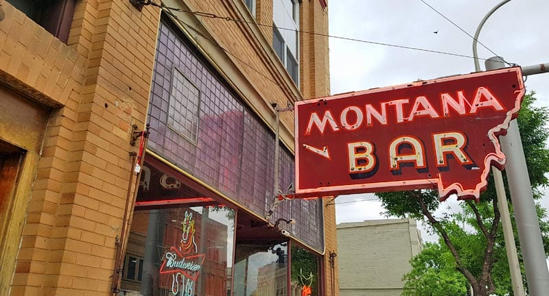 Montana Bar sign in Miles City.