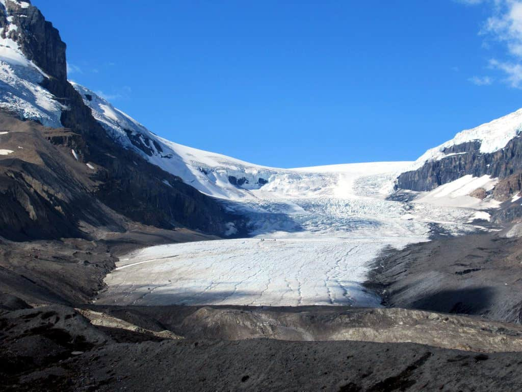 The Athabasca Glacier at the south end of Jasper National Park in Alberta, Canada, is easily accessible off the Icefields Parkway. Photo by David Stanley. Reused under CC BY-SA 2.0