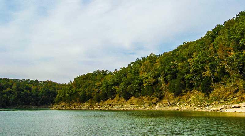 Shoreline of Lake Cumberland in the fall.