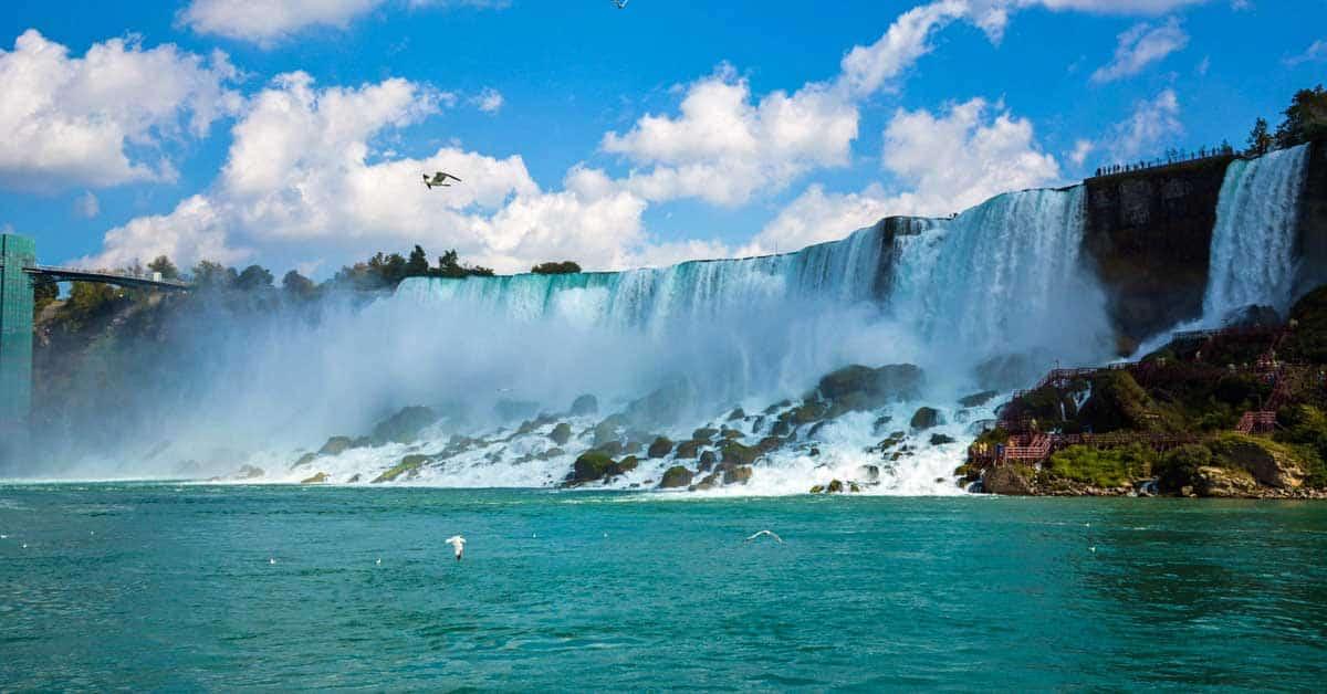 Niagara Falls - Horseshoe Falls - photo by Linda Aksomitis