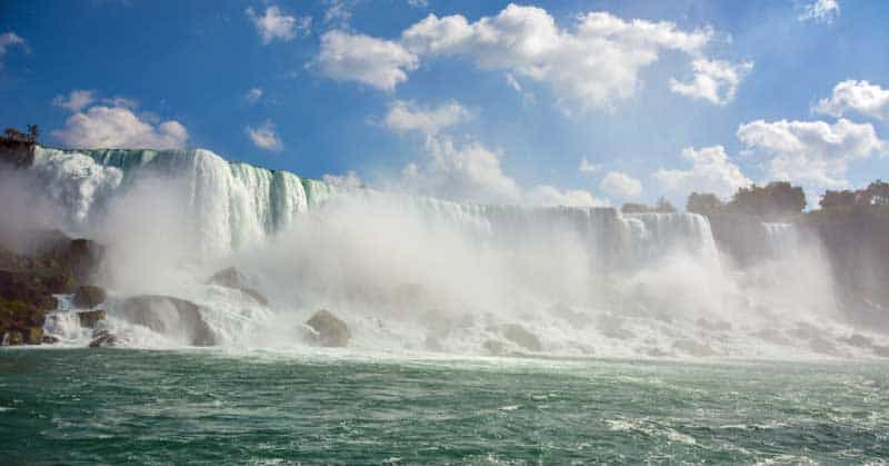Niagara Falls - Horseshoe Falls - Photo by Linda Aksomitis