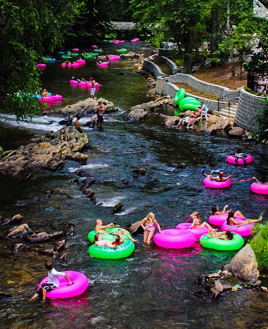 Tubing on the Chattahoochee River. Photo by Muora.