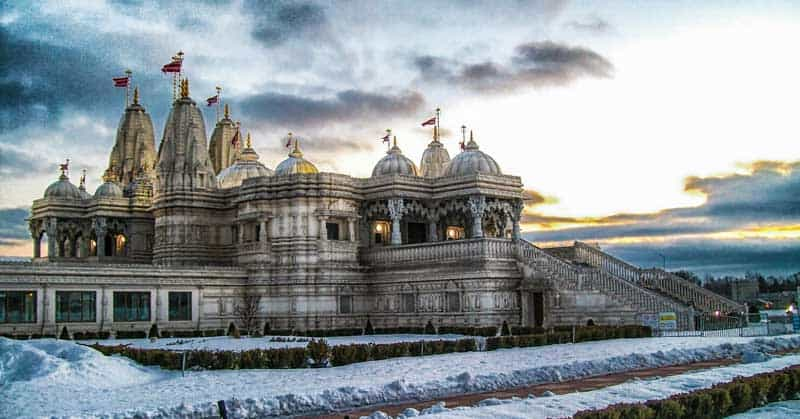 BAPS Shri Swaminarayan Mandir complex in Toronto complex consists of the first traditional hand carved Hindu Mandir (Hindu place of worship), Haveli and the Heritage Museum.
