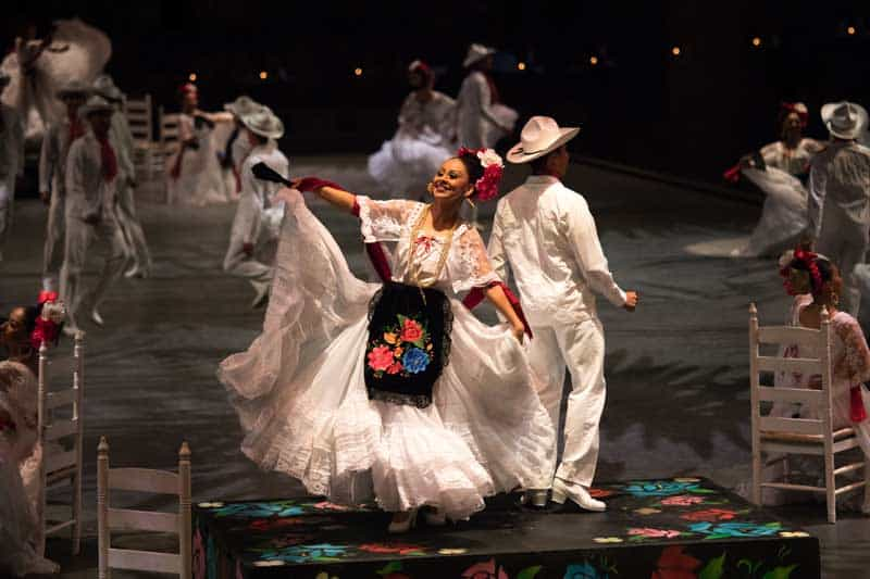Xcaret México Espectacular performance tells the story of Mexico in song and dance.