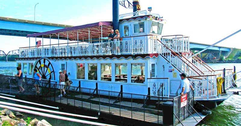 Find Adventure on the Missouri River on a Riverboat