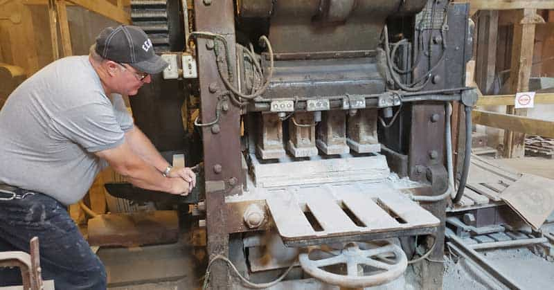Demonstrator using a machine at Claybank Brick plant.