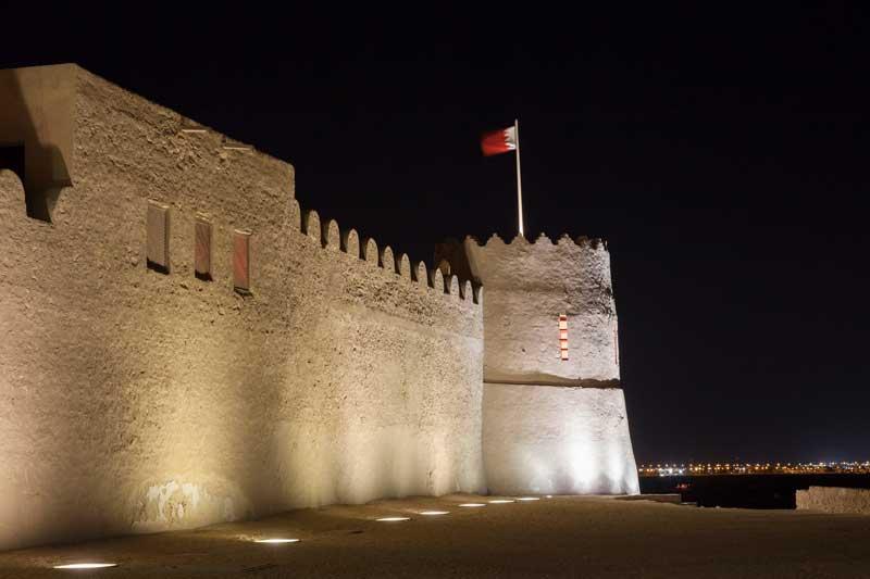 Historic Riffa Fort illuminated at night. Kingdom of Bahrain, Middle East — Photo by philipus