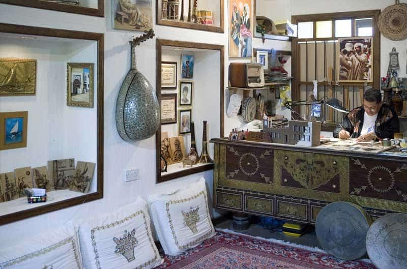 Al Jasra, Bahrain -Artisans at work in the Traditional Craft Center. — Photo by giuseppemasci.me.com