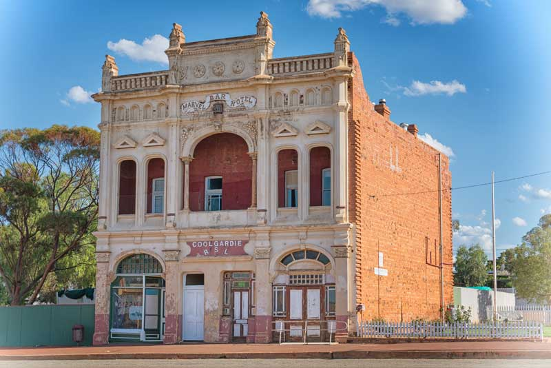Historic buildings of the city of Coolgardie on January 26, 2018 in Western Australia — Photo by alfotokunst
