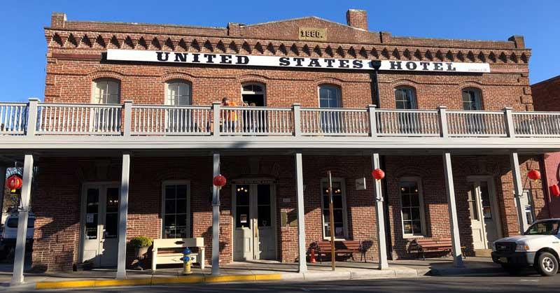 Historical hotels are abundant in quaint small towns (Jacksonville Inn)