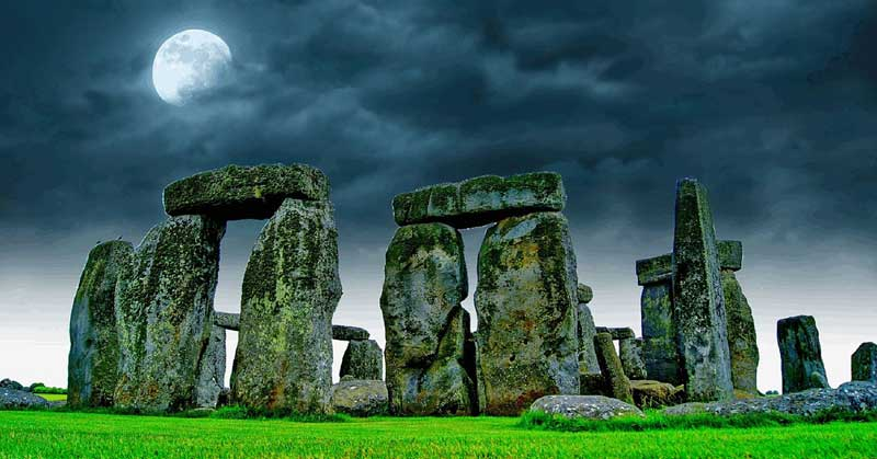 Why You Should (Re)visit Stonehenge and its Surroundings